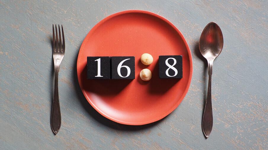 abnehmen-diaet-16-8-diaet-so-effektiv-ist-intervallfasten-mit-der-acht-stunden-diaet